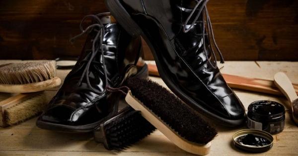 2c796fa2f2 Nossas lojas vendem produtos para renovação de sapatos de couro e camurça