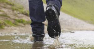 ea3f86c415827 Salve seus sapatos da chuva! | Impermeabilizante para sapatos com 20% de  desconto!